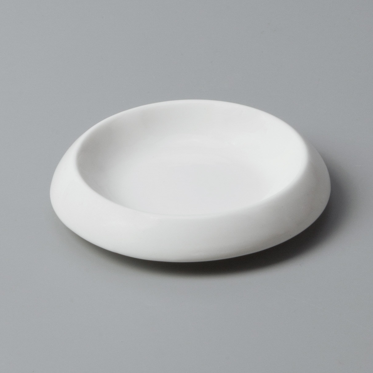 Two Eight rim cool restaurant plates customized for restaurant-10