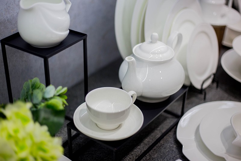 Two Eight-News | Production Of Bone China Tableware-9