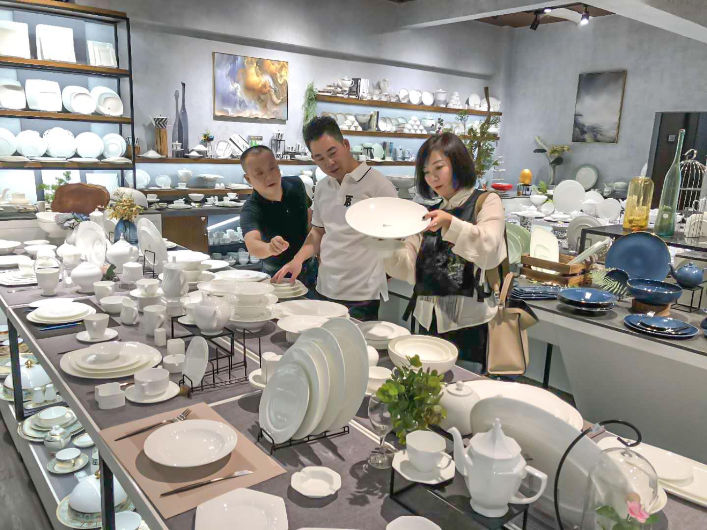 news-Two Eight-Domestic Michelin chef, Duan Yu teacher to the Two Eight Ceramic exchange and guide-i