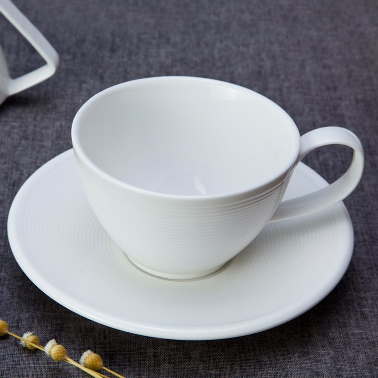 German Style Smoothly Glaze White Round Ceramic Dinnerware Sets - TW04