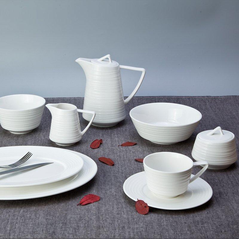 Elegant Style Round White Hotel Embossed Porcelain Dinner Set - TW11