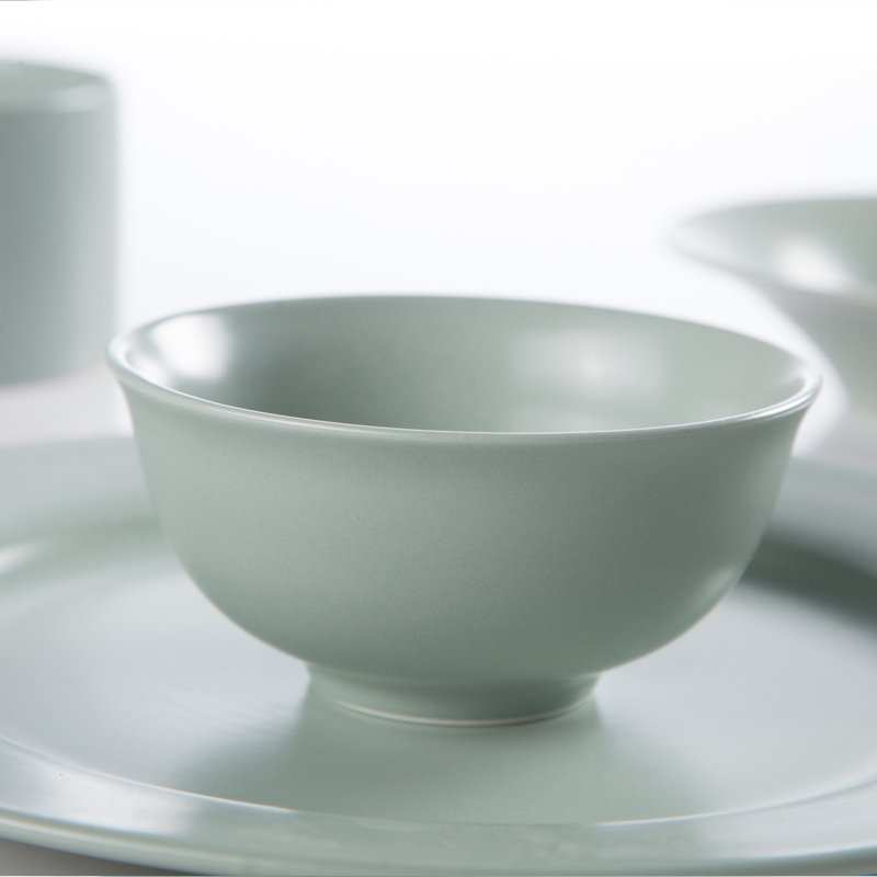 Country Style Round Plate Smooth Surface Color Porcelain Dinner Set - TC06