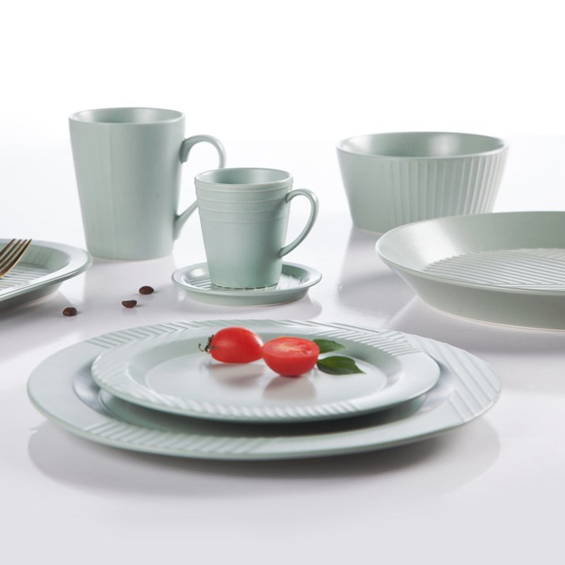 Modern Style Jade Green Color Porcelain Dinner Set With Embossed Lines  - TC15