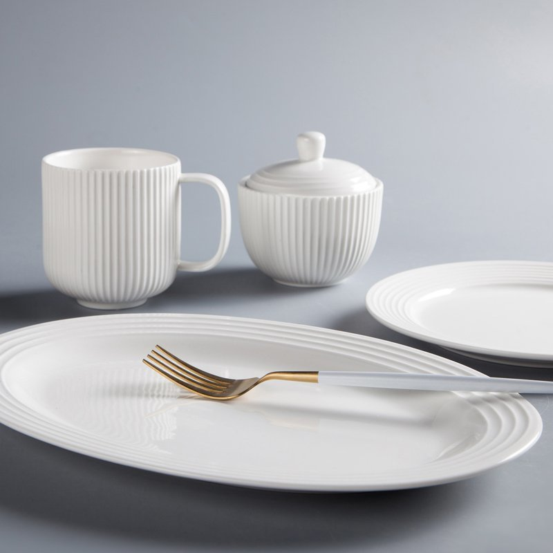 Embossed White Round Porcelain Dinner Set With German Style - TW13
