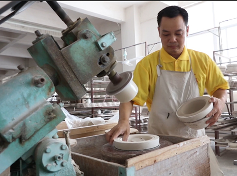 Wanna know how to make porcelain dishes, mugs, bowls on a scale?