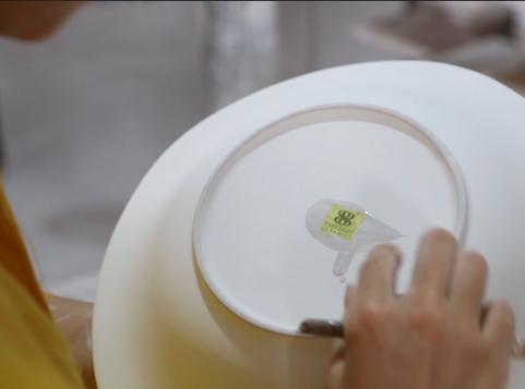 How to make beautiful porcelain tableware? Glazed decal process | 28ceramics.com