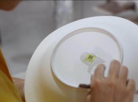 How to make beautiful porcelain tableware? Glazed decal process   28ceramics.com