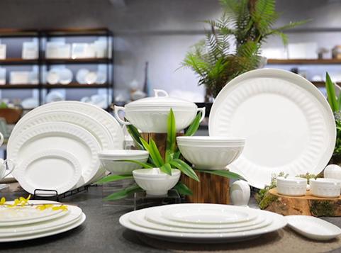 White Ceramic Dinnerware Set Show From Hosen Two Eight Ceramics