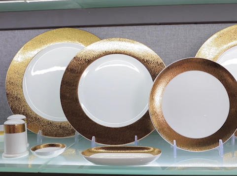 White Plates With Gold Trim Show - From Hosen Two Eight Ceramics