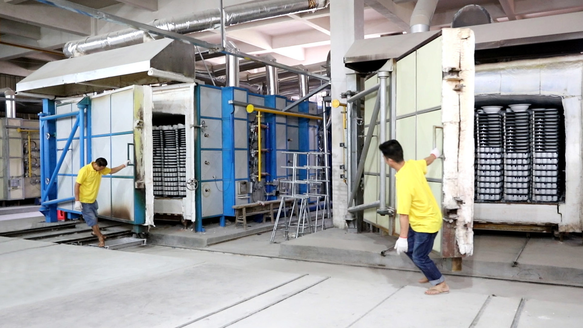 Ceramic tableware production process - kiln