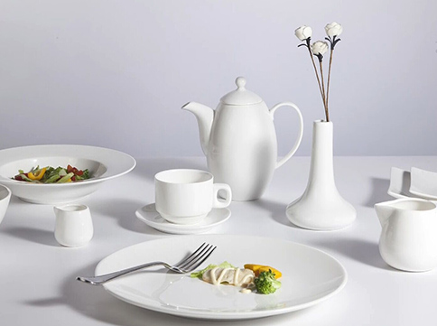 Pure white, organic and functional dining plates set - TW32-Two Eight